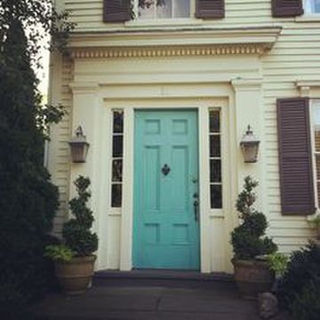 Our recommendations on front door and shutter combos 5