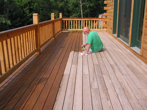 apply-deck-stain